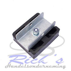 bootkussen-rubber-100x120mm-op-U-profiel (2)